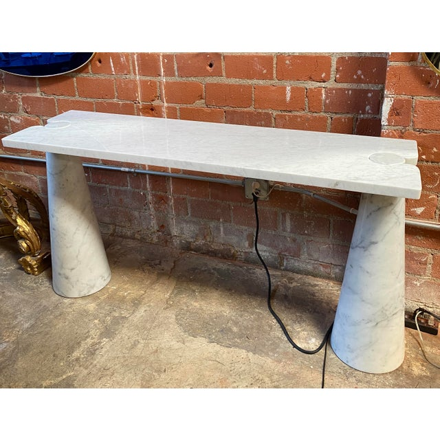Vintage White Carrara Marble Console Table by Angelo Mangiarotti for Skipper, 1970s Angelo Mangiarotti (1921-2012) was an...