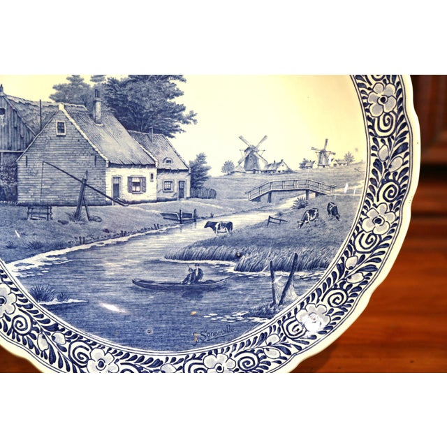 Early 20th Century Dutch Hand-Painted Delft Platter With Pastoral Scene For Sale In Dallas - Image 6 of 11