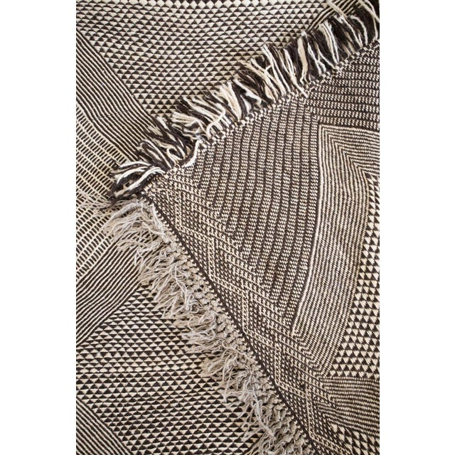 Double-Sided Natural Wool Zanafi Flat-Woven Moroccan Rug For Sale In New York - Image 6 of 8