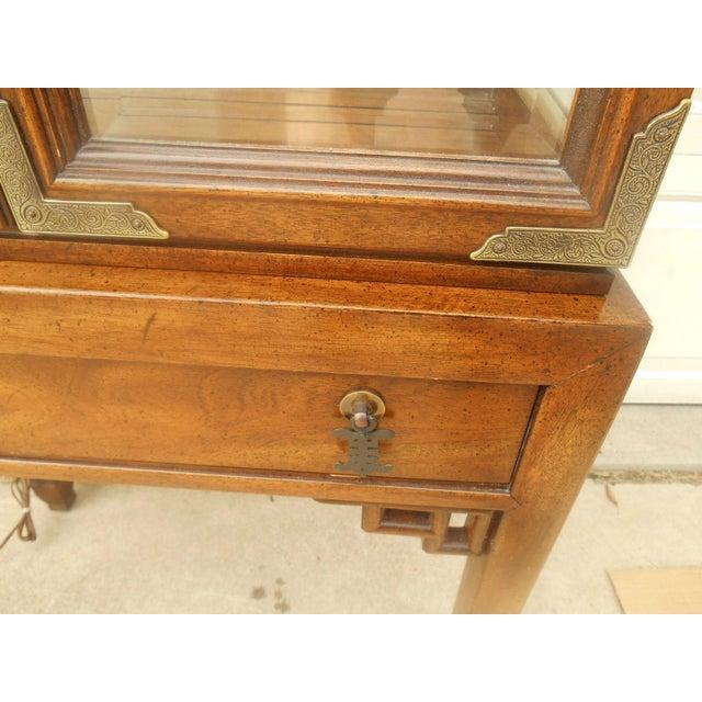 Century Furniture Oriental-Style Lit Curio - Image 6 of 7