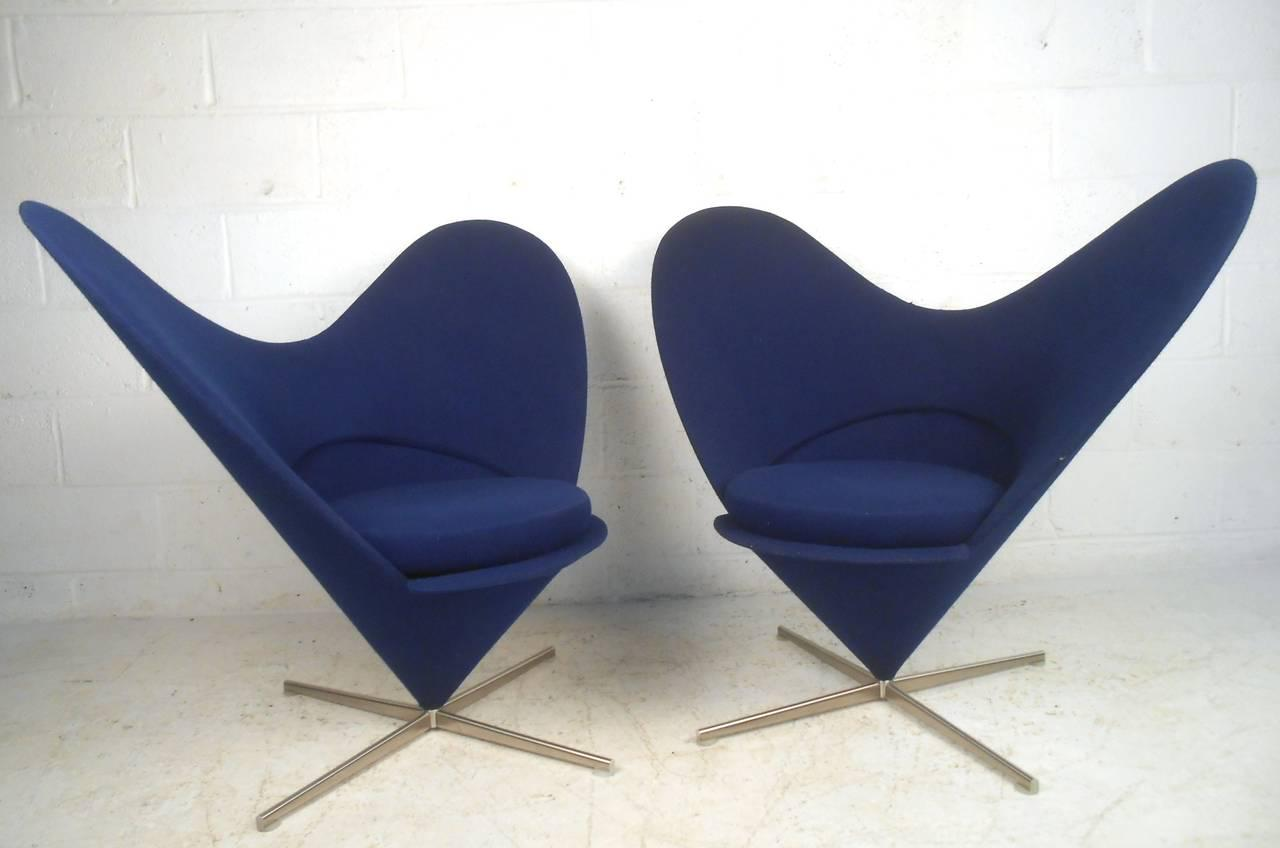 Pair Sculptural Modern Wingback Swivel Chairs   Image 6 Of 6