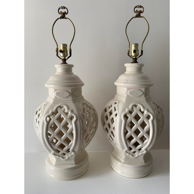 Vintage Chinoiserie Ginger Jar Lamps - a Pair For Sale - Image 13 of 13