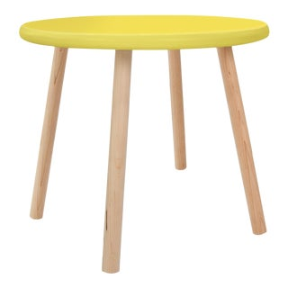"Peewee Small Round 23.5"" Kids Table in Maple With Yellow Finish Accent For Sale"