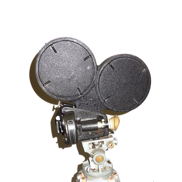 Offered for your demanding consideration is this CineFlex 35mm motion picture cinema combat camera. Designed and built in...