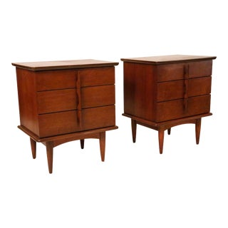 Mid-Century Walnut Nightstands With 3 Drawers and Sculptures Handles - a Pair For Sale