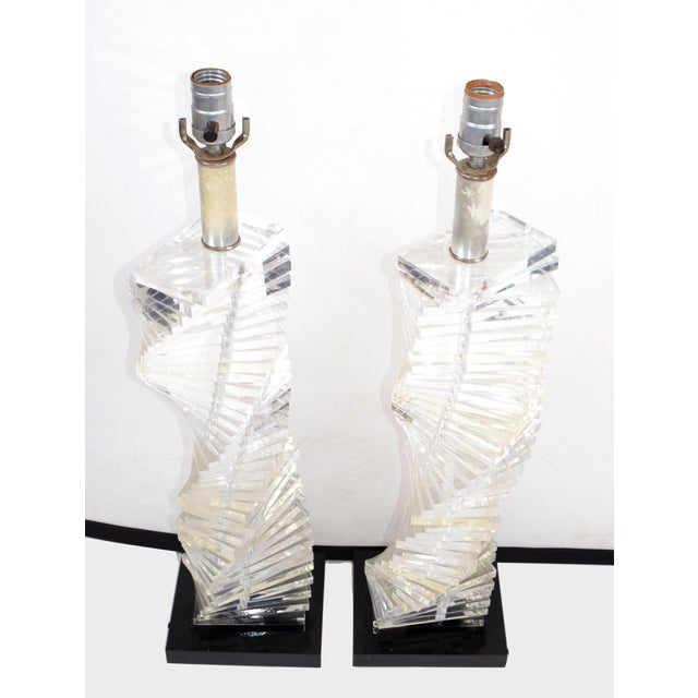 Mid-Century Modern Stacked Clear Lucite Lamps Spiral Staircase Design - a Pair For Sale In Miami - Image 6 of 13