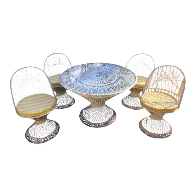 Woodard Fiberglass Patio Dining Set For Sale