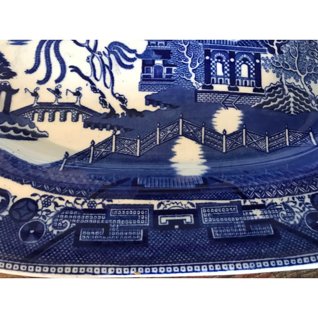 1930s 1930s English Flow Blue Willow Large Platter For Sale - Image 5 of 12