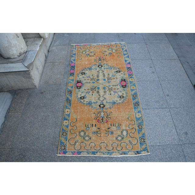 Turkish Oushak Vintage Tribal Wool Carpet - 2′8″ × 5′6″ For Sale - Image 11 of 11