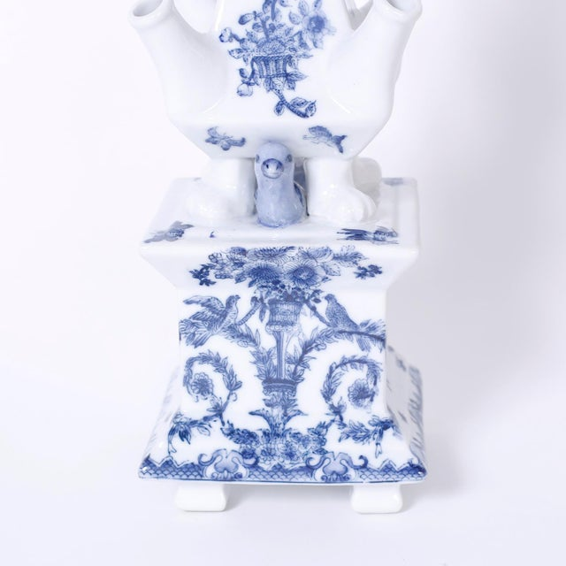 Blue and White Porcelain Pagoda Form Tulipieres - A Pair For Sale In West Palm - Image 6 of 8