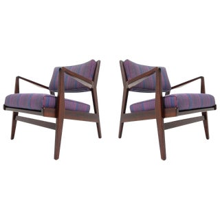 Pair of Jens Risom Lounge Chairs in Walnut For Sale