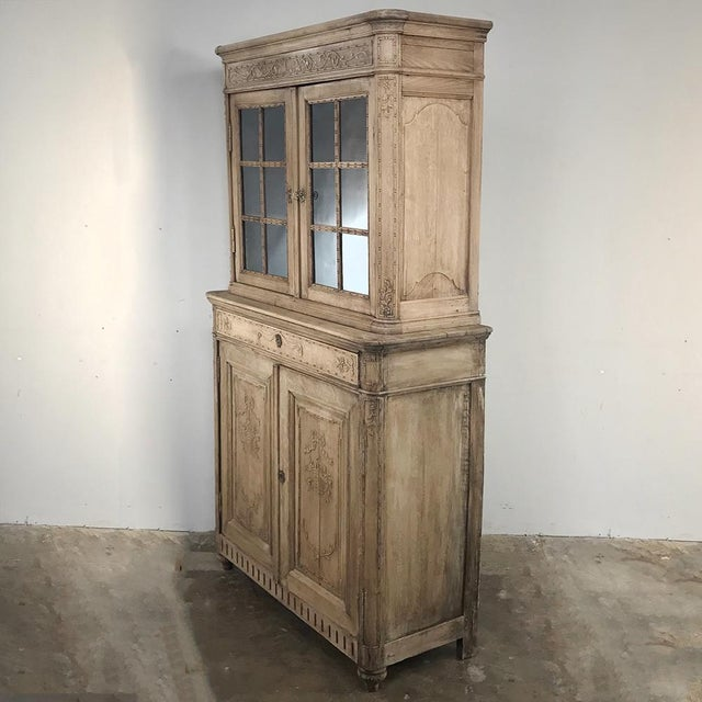 French 19th Century Country French Stripped Louis XVI Vitrine - Cabinet For Sale - Image 3 of 13