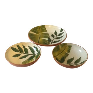 Vintage Molde Portugal Green Leaf Pattern Pasta/Salad Serving Bowls - Set of 3 For Sale
