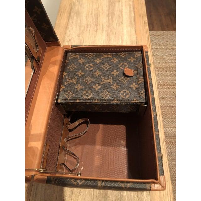 Contemporary 1970's Vintage Louis Vuitton Train Case For Sale - Image 3 of 12