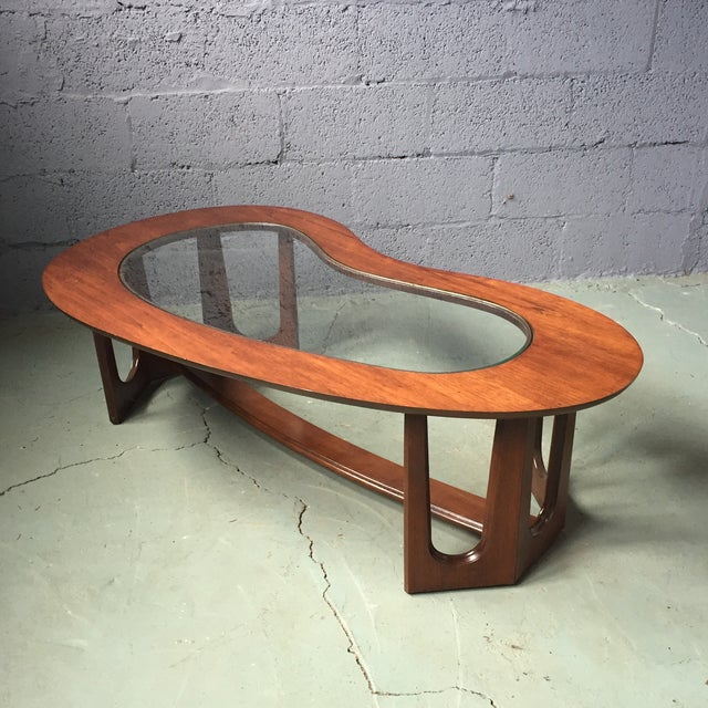 Bassett Mid-Century Kidney Coffee Table