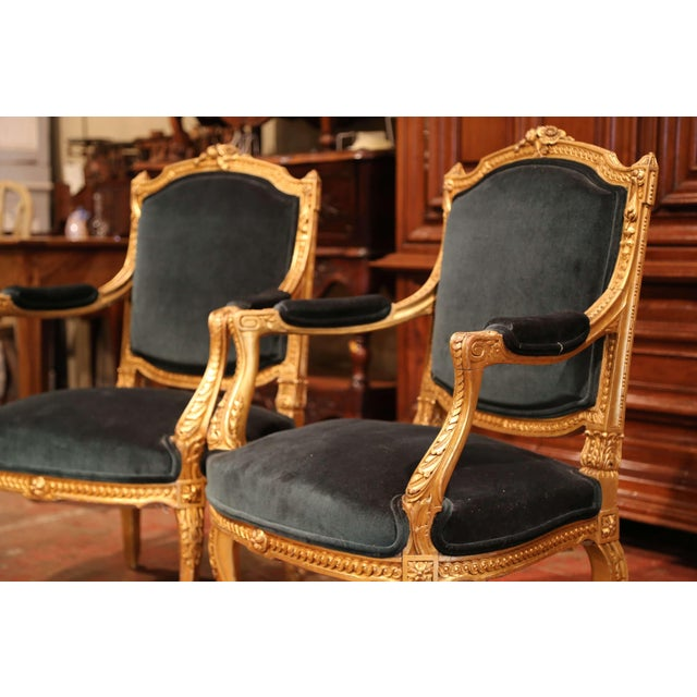 French Pair of 19th Century French Louis XV Carved Giltwood Armchairs With Green Velvet For Sale - Image 3 of 11