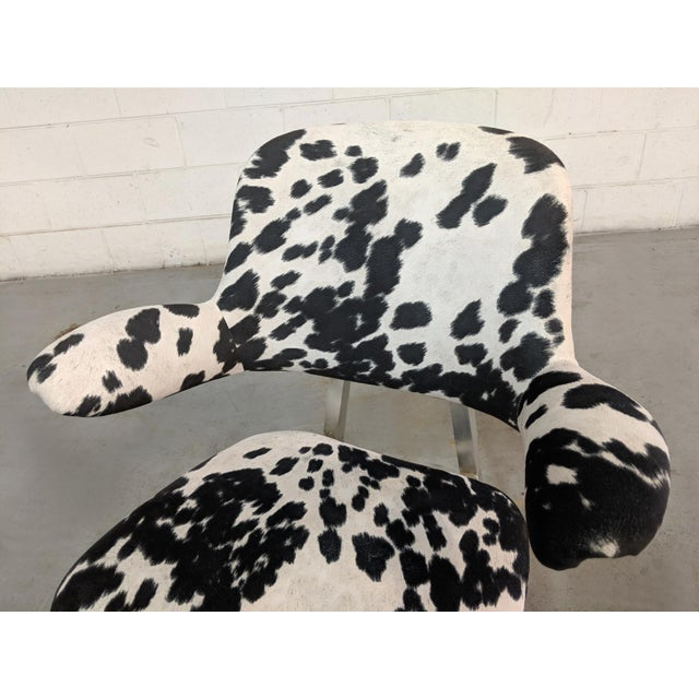Mid Century Modern Shaw Walker Faux Cowhide & Aluminum Chair For Sale In Chicago - Image 6 of 11
