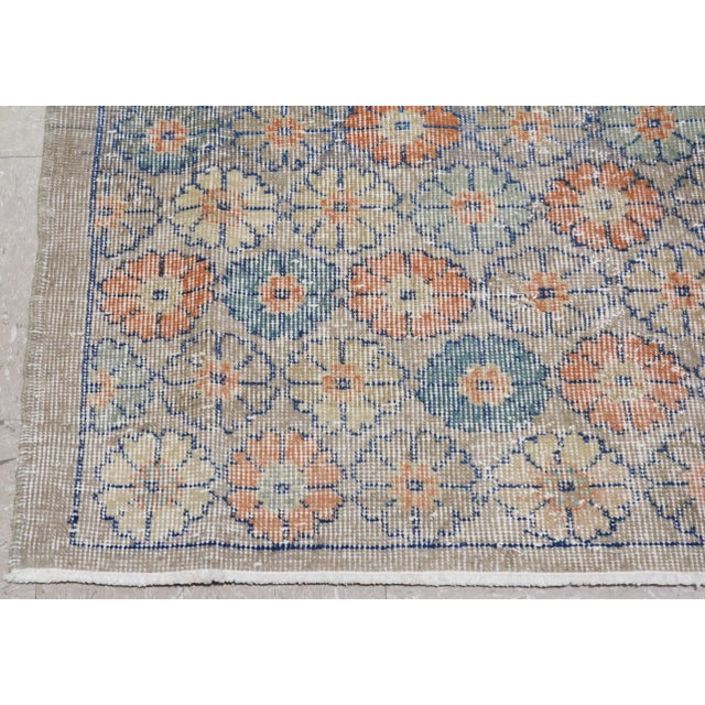 "Vintage Turkish Art Deco Rug,4'2""x6'10"" For Sale In New York - Image 6 of 7"