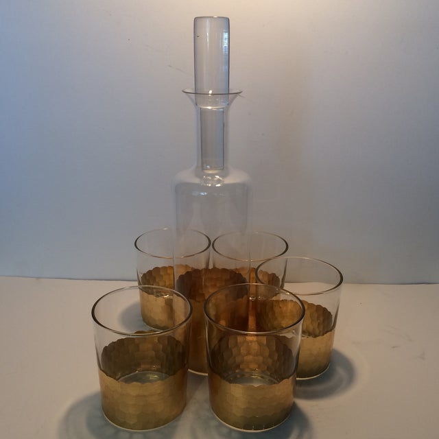 Contemporary Fitz & Floyd Gold Scalloped Crystal Bourbon Set For Sale - Image 3 of 11