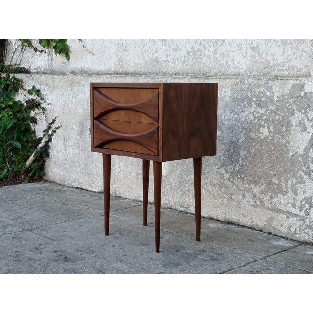 Mid-Century Modern Sculpted Front Nightstand in American Walnut For Sale - Image 3 of 3