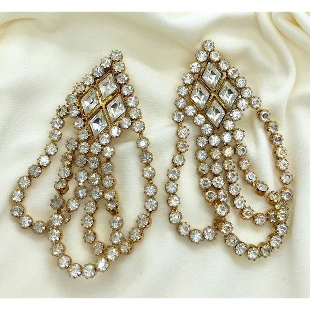 1960s William deLillo Goldtone and Clear Crystal Dangling Earrings For Sale - Image 4 of 8