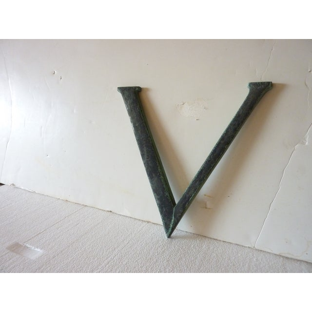 19th Century Bronze 'V' - Image 3 of 3