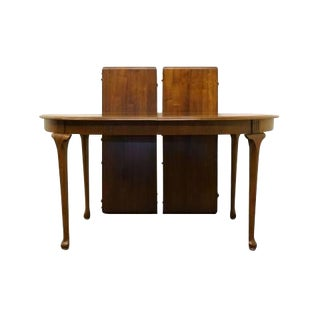 20th Century Traditional Davis Cabinet Wingate Walnut Dining Table For Sale