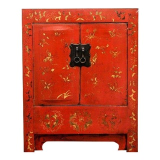 1910s Chinese Red Lacquered Elmwood Cabinet For Sale
