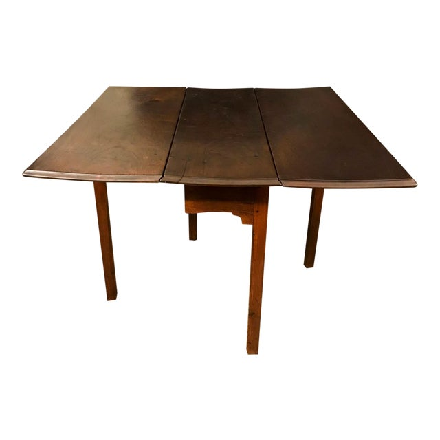 18th Century Chippendale Walnut Drop Leaf Table For Sale