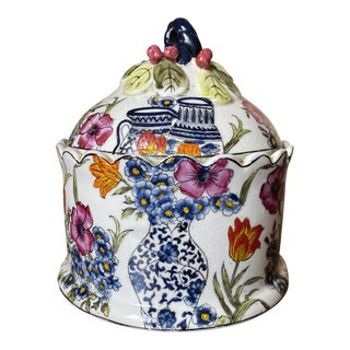 Vintage Chinoiserie Blue White Floral Ceramic Jar For Sale