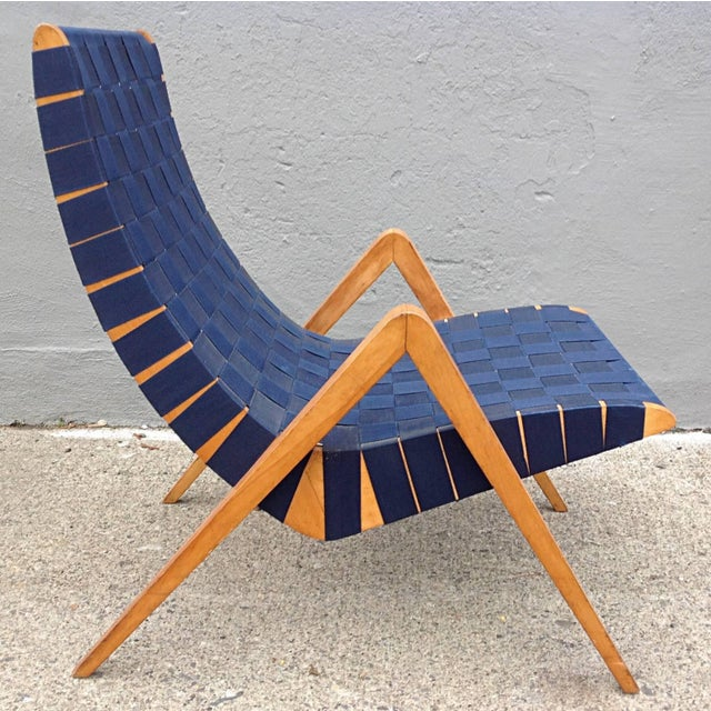 Mid-Century Modern 1940s Mid-Century Modern Jens Risom Style Navy Blue Webbed Scoop Birch Lounge Chair For Sale - Image 3 of 8