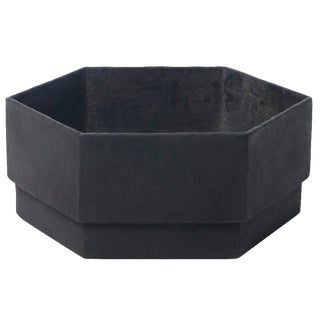 Hex 1 Planter in Matte Black For Sale