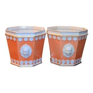 1980s Vintage Apricot & White Mottahedeh Porcelain Cachpots - a Pair For Sale