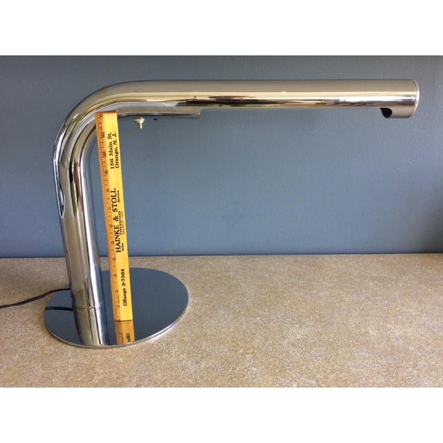Wonderful Robert Sonneman chrome desk lamp - circa 1970s. This iconic Robert Sonneman lamp is in excellent condition and...