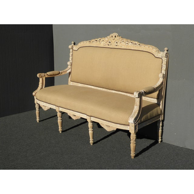French French Provincial Burlap & Carved Wood Settee For Sale - Image 3 of 10
