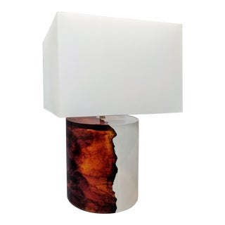 Mid-Century Modern Baker Furniture White and Tortoise Shell Resin Table Lamp For Sale