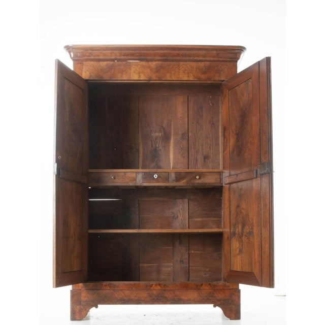 French 19th Century Walnut Louis Philippe Armoire - Image 7 of 10