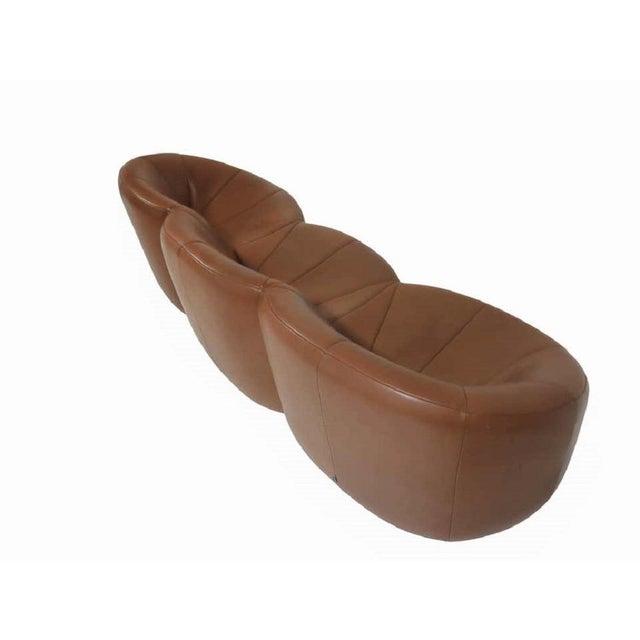Mid-Century Modern Pierre Paulin Leather Pumpkin Sofa For Sale - Image 3 of 7