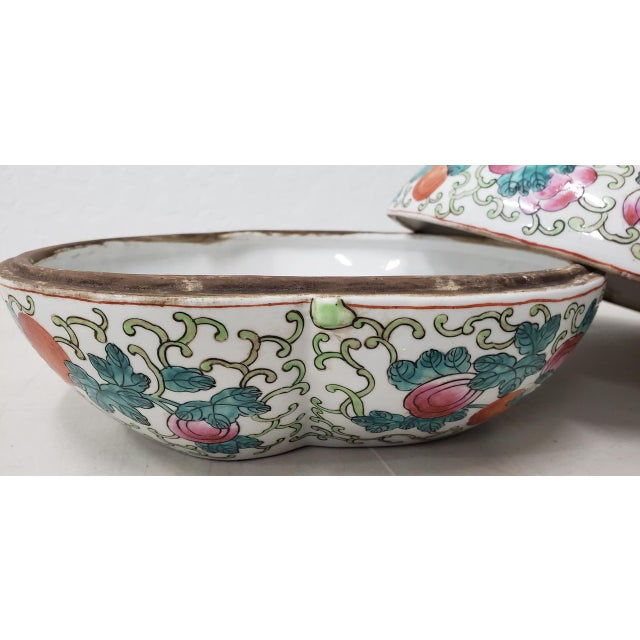 Asian Mid 20th Century Chinese Porcelain Container With Lid For Sale - Image 3 of 10