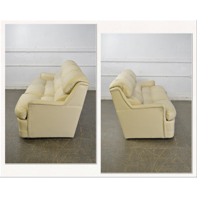 *STORE ITEM #: 17609-fwmr Hancock & Moore Off White Leather Sofa AGE / ORIGIN: Approx. 20 years, America DETAILS /...