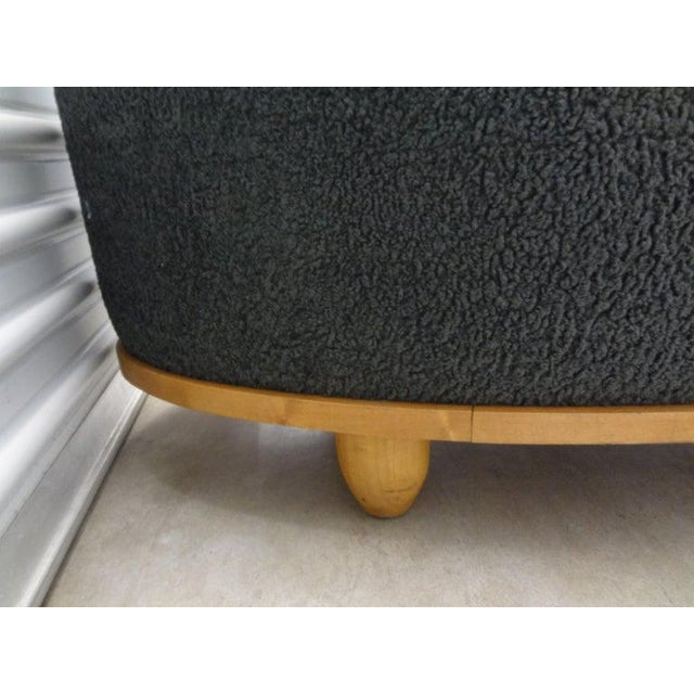 James Mont Large Mid-Century Oval Bench Upholstered in Gray Shearling For Sale - Image 4 of 13