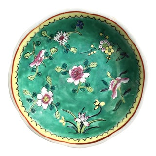 Early 20th Century Chinese Export Footed Green Porcelain Floral Dish For Sale