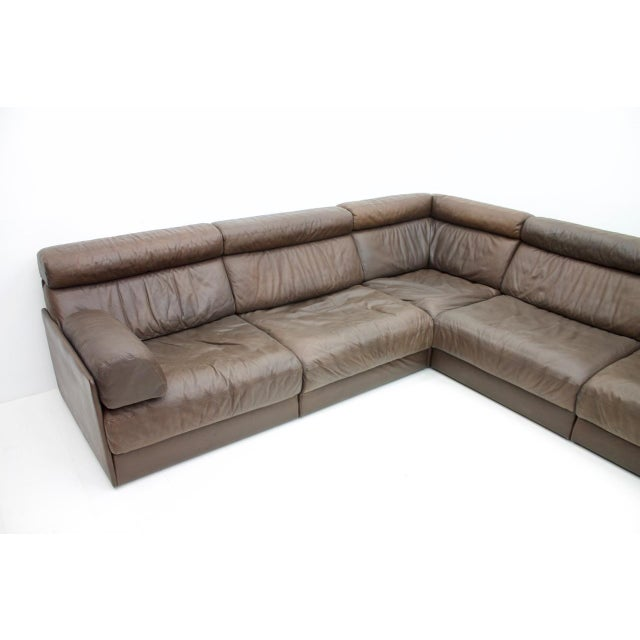 De Sede Large Modular Leather Sofa in Dark Brown Leather by De Sede, Switzerland, 1970s For Sale - Image 4 of 11