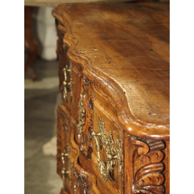 French Walnut Wood Commode From Lyon, Circa 1750 For Sale In Dallas - Image 6 of 13