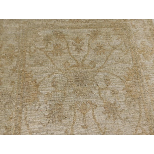 "Pakistan Neutral Floral Pattern Rug - 2'10""x 4'5"" For Sale In Los Angeles - Image 6 of 6"