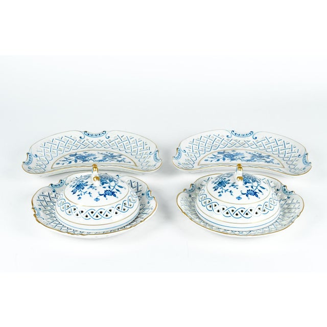 English Traditional 4 Piece Set of Porcelain Tableware For Sale - Image 3 of 13