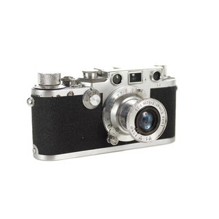 Original 1949 Rangefinder Camera - Leica IIIc Shark Skin W/5cm 3.5 Elmar For Sale