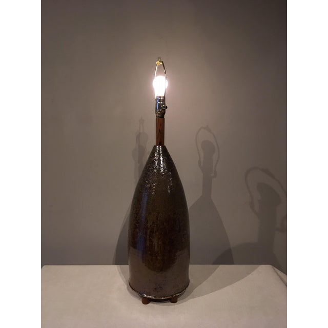 Mid 20th Century Earth Tone Ceramic Lamp For Sale In Chicago - Image 6 of 10