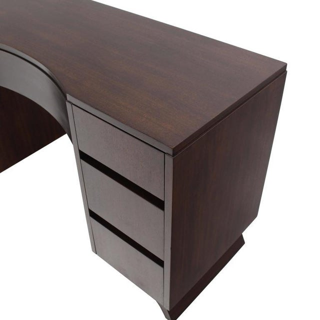 Mid-Century Modern Petit Writing Table Desk For Sale In New York - Image 6 of 8