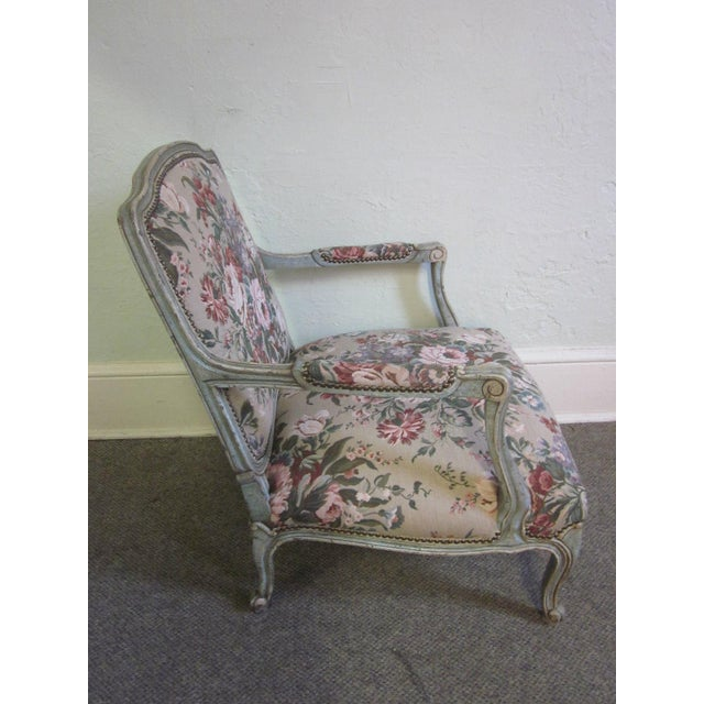 French Provincial Stoneleigh Ltd. Louis XV Fauteuil Chair & Ottoman For Sale - Image 3 of 10